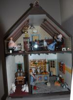 Poppenhuizen paginamarkt groot in kleine markten for Poppenhuis te koop